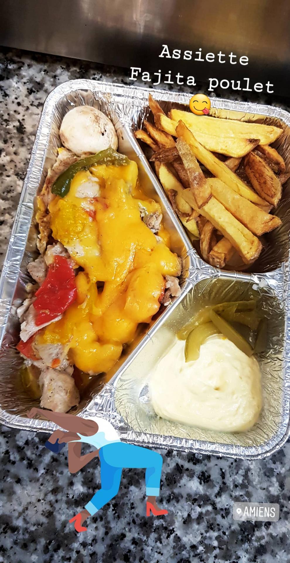 Assiette fajita fait maison poulet en livraison rozana restaurant libanais
